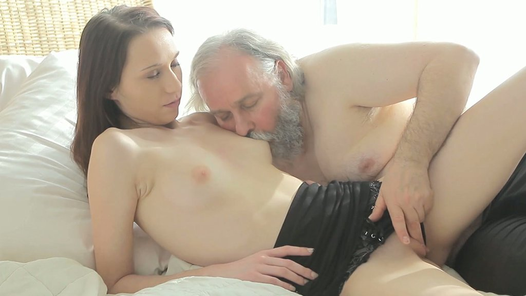 Porn tube Petite fisting shared ladyboy
