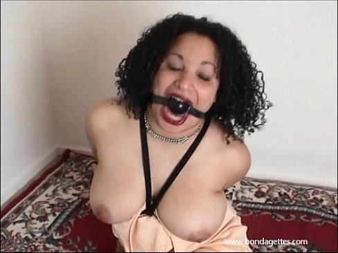 otngagged babe Busty housewife