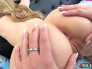 shaved pantyhose eating Ass housewife