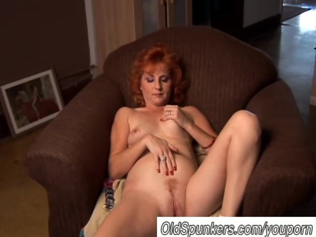 amateur squirting Mom glamour