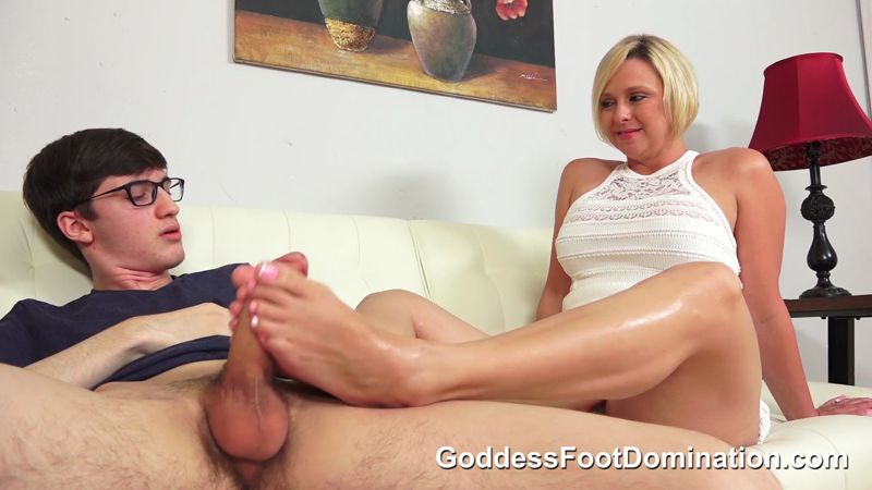 mother shared Dyke footjob