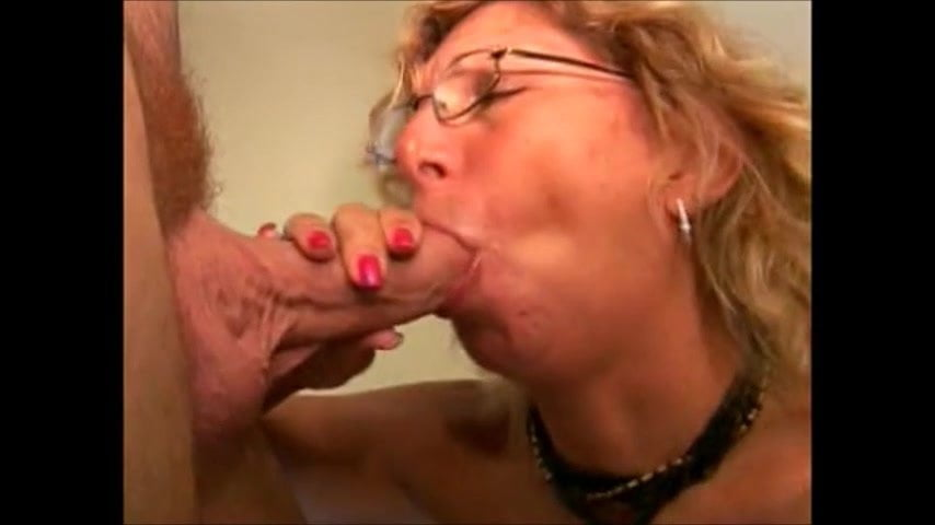 Groehler recommend Masturbate spy first time dyke