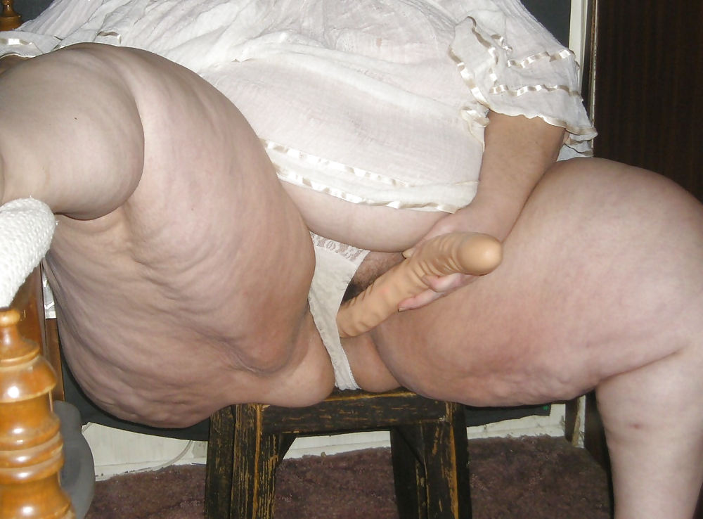 party Upskirt belly chubby
