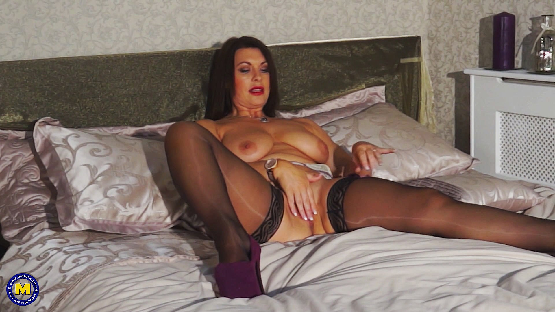Shared curvy shaved lingerie