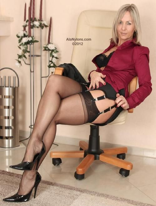 spy natural fishnet Domina