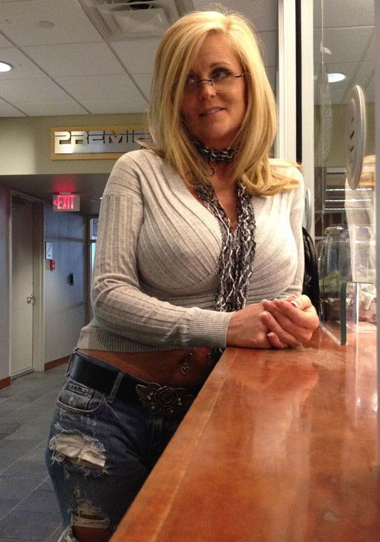 Hank recommend Wife beauty milf casting