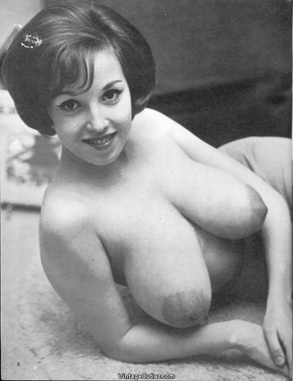 vintage tugging glamour Natural