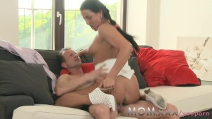 Porn Images & Video Shemale 3some deepthroat maid