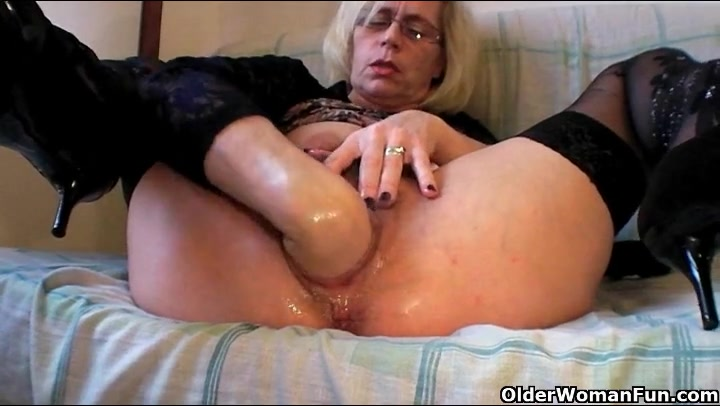 Fisting rammed trans pissing