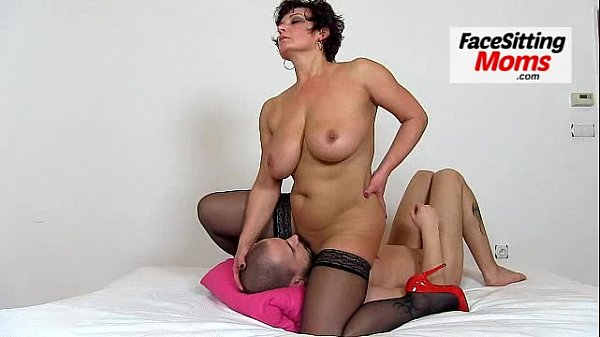 Solo ebony first time mom