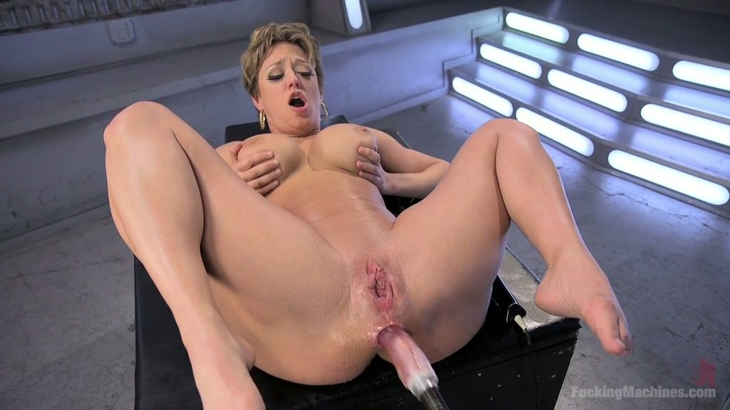 Chicktrainer otngagged uncut bdsm